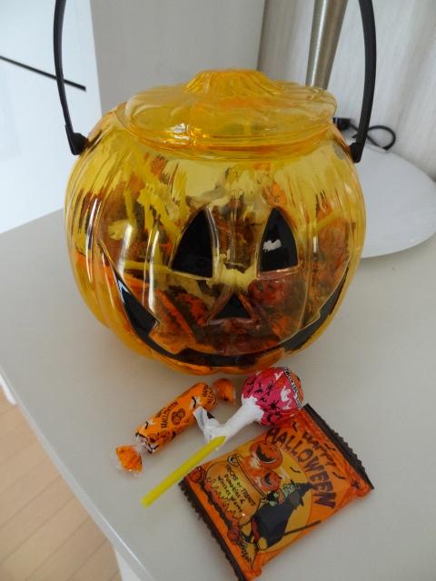 momo's Aroma room 京都のリンパマッサージ & アロマ-10月中ハロウィンのお菓子をお出ししてます